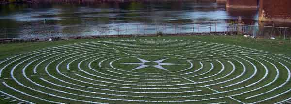 Homestead Labyrinth CC BY-NC 2.0 Kordite